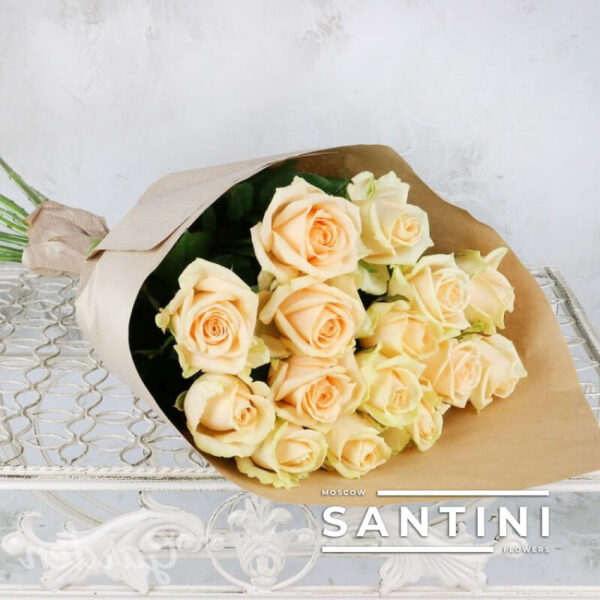 Букет из 15 кремовых роз Talea