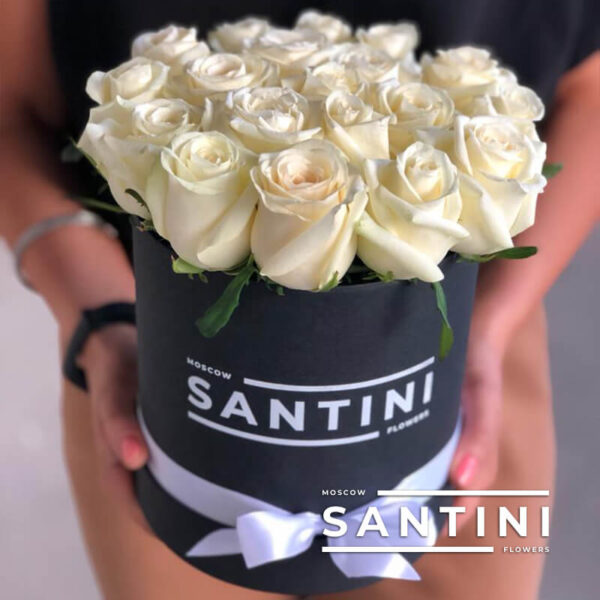 Коробка белых роз Avalanche