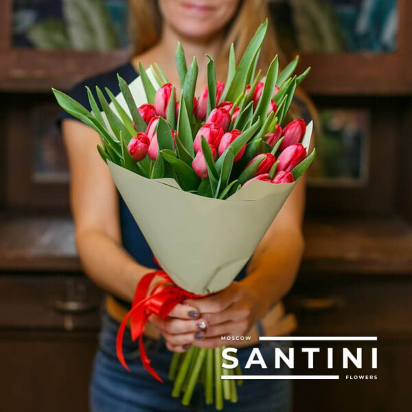 Букет из 25 красных тюльпанов «Red Fresh»